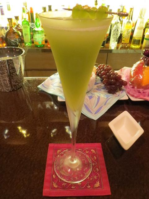 バー クラスター - デラウェアのギムレット、ジンベースです。色も綺麗で美味しい!超おススメです