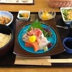 レストラン・グリーンガーデン - 刺身定食