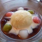 洋食屋 きし川 - 緑の白玉は抹茶味