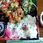 Toriichi - チキン南蛮弁当 \300