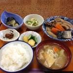 多菜田 - 多菜田定食 煮物