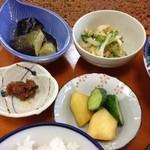 多菜田 - 副菜の品々