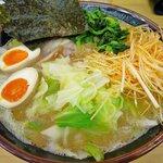 壱成家 - ネギチャーシュー麺+麺大盛り+キャベツ+ほうれん草+味付けたまご