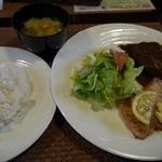 洋食レストラン桜 - 煮込みハンバーグと白身肴のムニエル