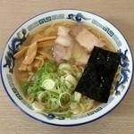 ぶんぶん亭 - しょうゆラーメン(700円)