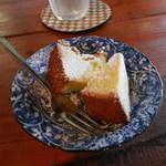 ギャラリー萌木 - 柑橘風味のおいしいケーキでした