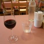 ビストロササ - ドリンク写真:グラスワイン赤