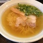 麺屋 一忠 - 鶏油らーめん500円