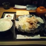 八代目儀兵衛 - 京赤地鶏のもも肉から揚げ御前1580円