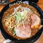 らあめん花月 嵐 - 期間限定 BLACK MONSTER(¥720)動物系の濃厚などろりとしたスープ、開花楼的な麺、どれも中々の出来。8/15/2013