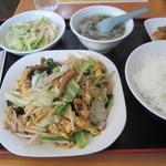 福園 - 豚肉と卵の野菜炒め 600円