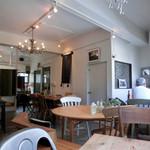 アメリエケイ - ギャラリーのようなカフェのような不思議な空間