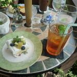 Tea Room - ホームメイドショートケーキとアールグレイ(アイスティー)
