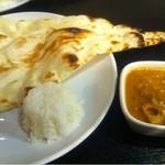 インドレストラン Shama - 野菜カレー+ナン+ライス