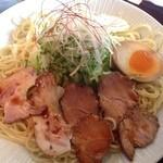20709119 - 広島つけ麺(20辛) ¥880 の麺と具材
