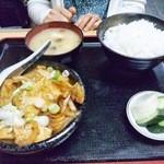舎人亭 - 肉どうふ定食 \800