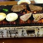 焼肉 ユキ - ヒレ・豚バラ・タマネギ・シシトウ