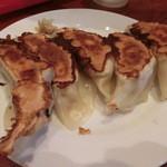 麺味 - 肉餃子