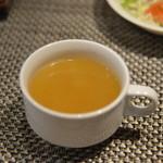 キャラバン ステーキ専門店 - スープ