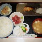 食工房とび田 - 「銀ダラみそ漬焼(ぶつ付)」800円