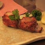 インド料理 想いの木 - 梅山豚のスペアリブ