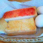 コメダ珈琲店 - 2013.8.19 モーニングサービス バターとジャム 2人分です