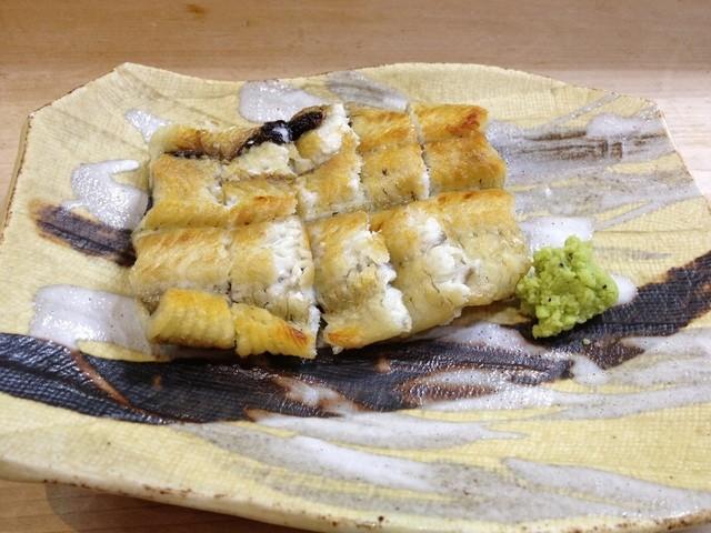 割烹 利助 - 有田川の天然鰻の白焼き