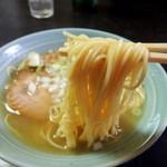 貧瞋癡 - (商品名不明)ラーメン(600円)+サービスチャーシュー1枚 麺