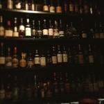 コモングラウンド - 落花生ぱらぱらなBAR。フランスワインが豊富らしい