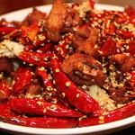 三国志 - チョウお酒に合う骨付き鶏肉のピリ辛揚げ