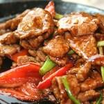 三国志 - 牛肉と野菜のオイスター鉄板炒め
