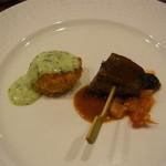 みやび亭 - 帆立貝のコーンフレーク焼き タルタルソース 肉厚マッシュルームのミンチ詰め焼