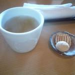 20730904 - そば茶とお菓子