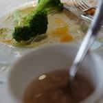 レストラン・マッカリーナ - ベーコンとエシャロットのドレで