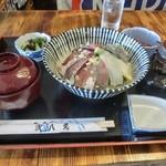 シャロー・ビー - ミックス丼