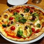 マーケットレストランAGIO 新宿店 - 野菜のピッツァ