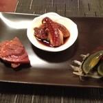 20738245 - 前菜三種(若鶏の醤油漬け、牛スジ肉                       、台湾産ピータン)