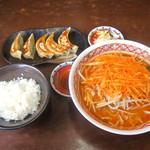 20749792 - 辛味噌ネギラーメン+餃子セット
