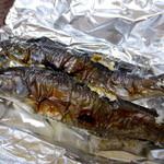 山マタギと海番屋 - 岩魚2匹テイクアウト