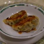 上海美味小屋 - 焼き餃子