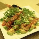 タイ国料理 チャイタレー - 2013.8 ヤムアボカド(850円)海老とアボカドのスパイシーレモングラスサラダ