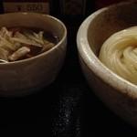 日炉勢 - 肉汁うどん780円