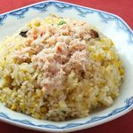 北京 - 地元の新鮮な野菜、安全な肉を使い、中華料理一筋40年のキャリアを持つ店主が一品一品丁寧に心を込めて仕上げます。カニチャーハン 900円