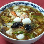 北京 - スープと野菜がオイスターソースと絡み合う広東風五目麺も大変おすすめです。是非ご賞味下さい。五目麺 800円