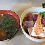 一力 - 料理写真:2013.08<800円海鮮丼>