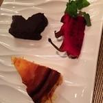 オステリア スゲロ - チョコレートケーキとチーズスフレ