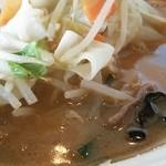 幸楽苑 - スープの色。濃いような…?
