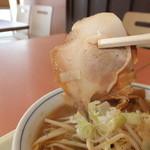 らーめん えぞ梟 - サッポロ寿味噌ラーメン 580円のチャーシュー 【 2013年8月 】