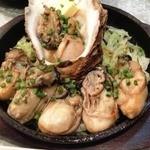 横濱モダン焼き 重 - ぷりっとジューシー「鉄板牡蠣バター」