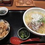 くわっちー家 - 沖縄そば定食¥780